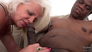 Dirty slut goes crazy riding an huge movie