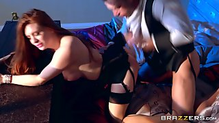 Veronica Vain & Johnny Castle in Fucking With A Vampire - Brazzers