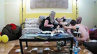Lesbisk stedsøster tager grim sex trekant bøsse & bbw (store smukke kvinder) sild