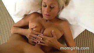 Blonde milf fucking and gets nice creampie