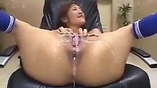 Japanese - pussy bukkake and standing leak