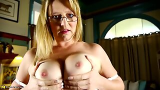 Real mature nerd mother with perfect body