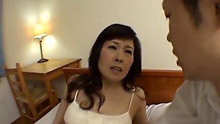 Mature hitomi kurosai gets fucked