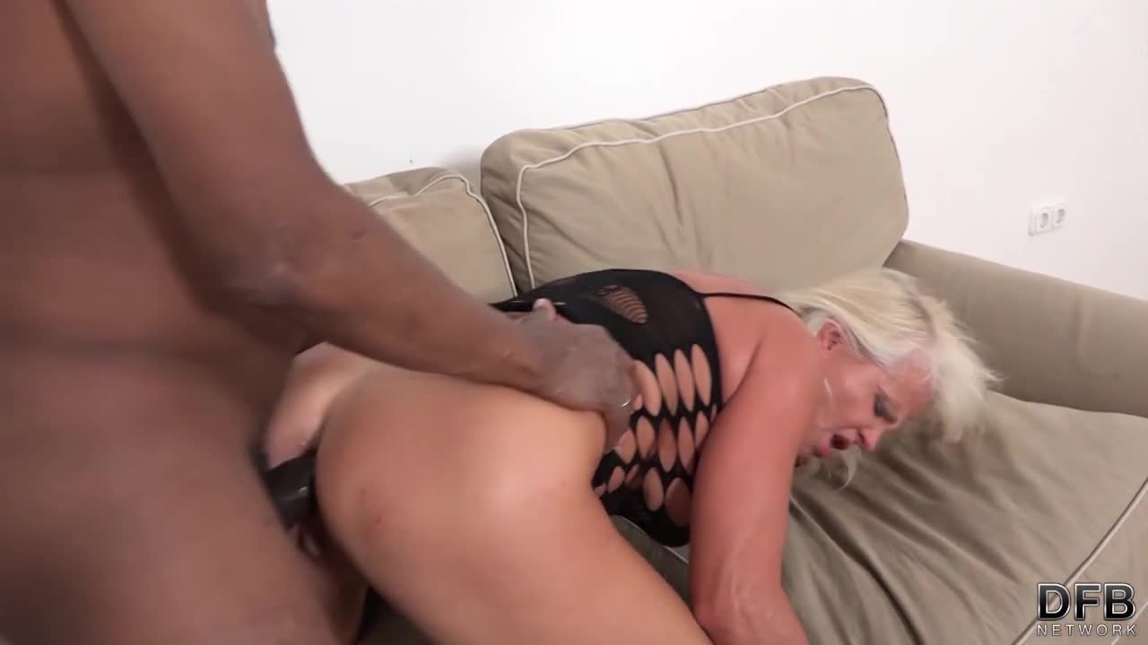Hole masturbation in sexy heels segment